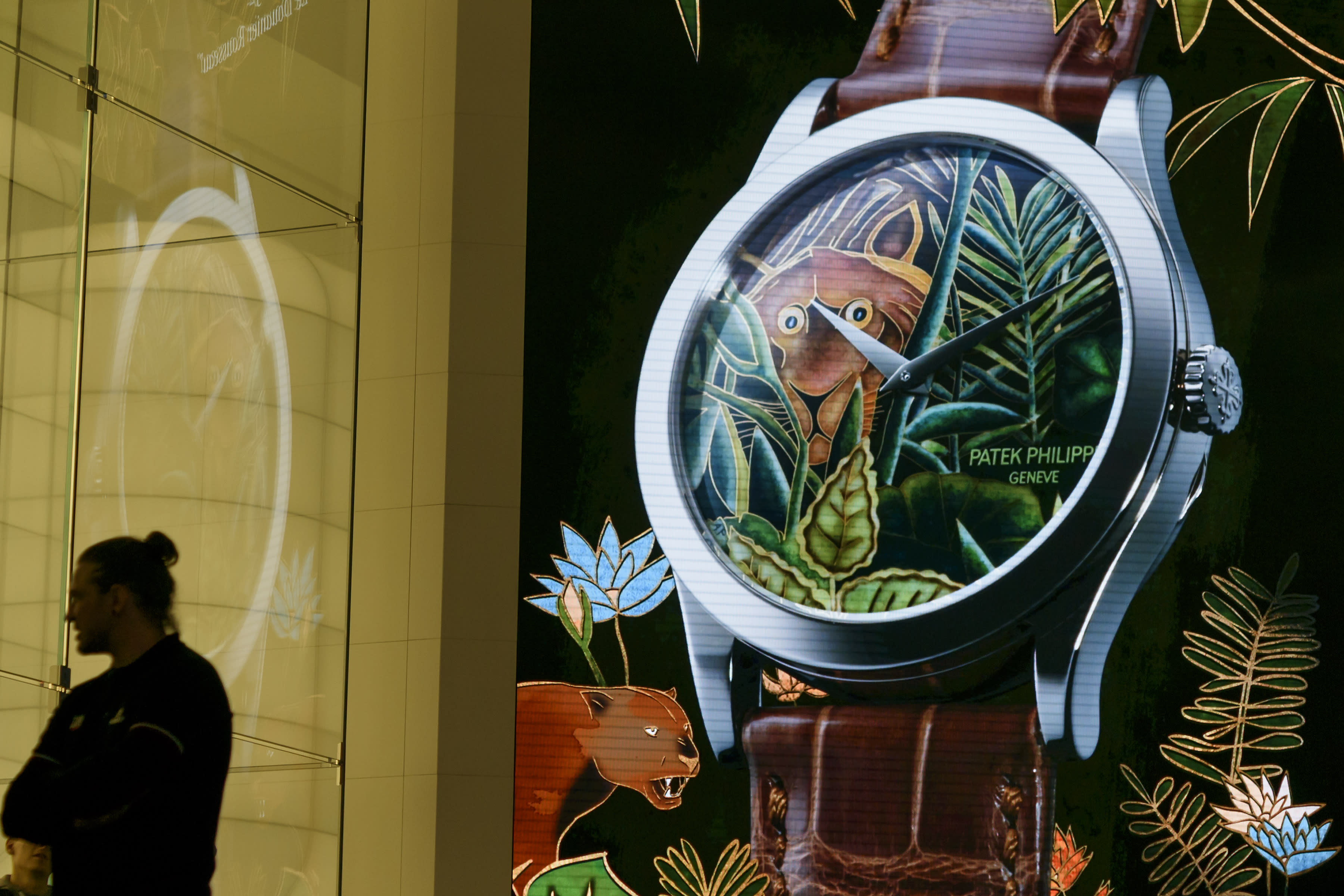 How Fossil's Smartwatch Embrace Could Challenge Apple
