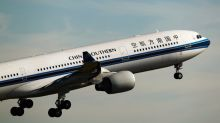 China Southern Shares Gain After Qatar Airways Buys 5% Stake