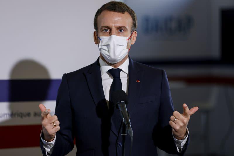 Il n'y a pas de violence institutionnalisée dans la police, dit Macron