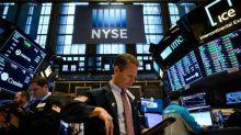 Borsa, Milano chiude in lieve rialzo +0,16%, spread risale a 252