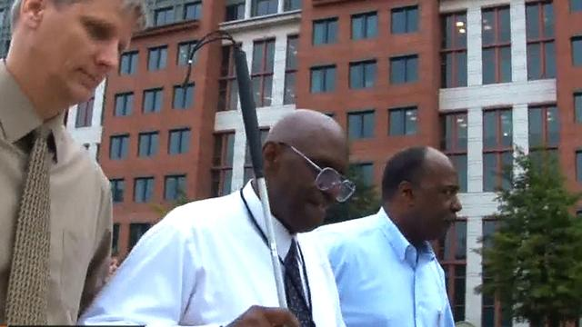 Navy Yard shooting: Man helps visually-impaired co-worker escape