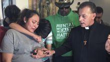 Mexicana embarazada se refugia en iglesia de Chicago