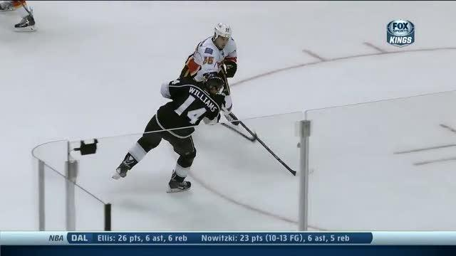 Justin Williams scores 200th goal