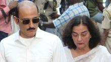 Vinod Khanna's First Wife Geetanjali Passes Away
