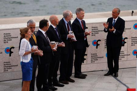 Jean Bennett, Alfred M. Maguire, Robin Ali, James Bainbridge, Samuel G. Jacobson, T. Michael Redmond and Portugal's President Marcelo Rebelo de Sousa during the 2018 Antonio Champalimaud Vision Awards ceremony at Champalimaud Foundation in Lisbon, Portugal September 4, 2018. REUTERS/Pedro Nunes