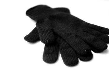 DOTS gloves let you use your iPhone even when it's cold