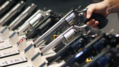 Slumping sales cast shadow over gun industry