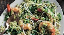 Prawn and zucchini fried 'rice'