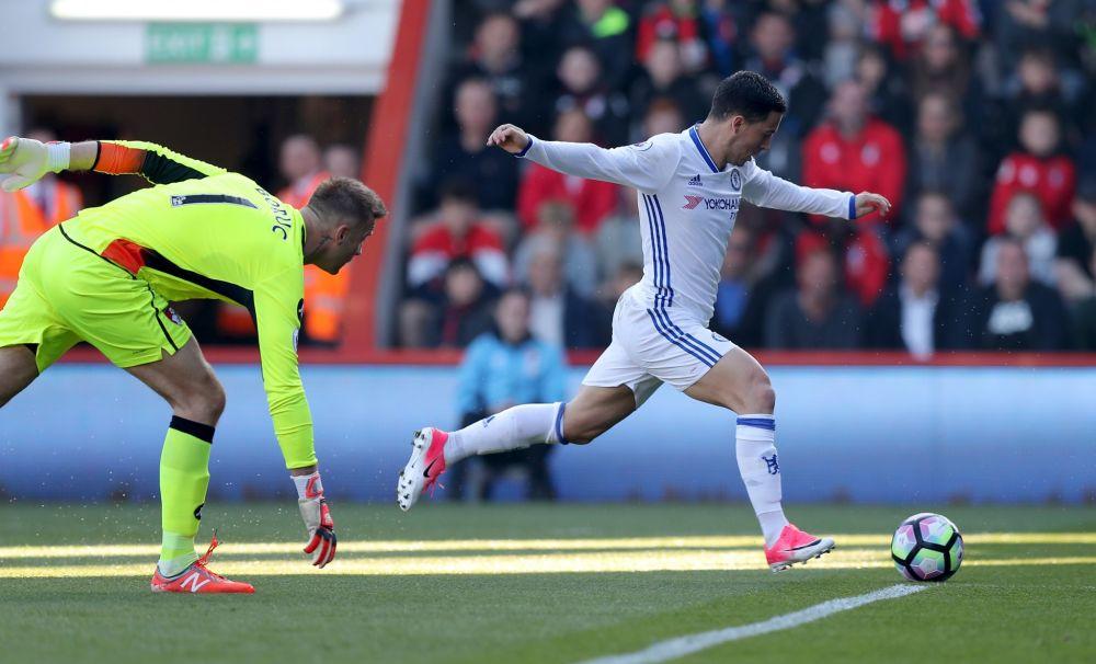 Eden Hazard makes it 2-0 to Chelsea