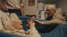 Viral: emotiva declaración de amor de un hombre de 105 años a su esposa de 100