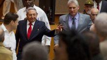 Díaz-Canel promete seguir el legado de los Castro tras jurar como presidente de Cuba