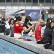 政府延長禁聚令多14日至4.23 強關美容院按摩院