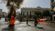 Liban: des militaires retraités tentent de prendre d'assaut le siège du gouvernement