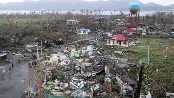 Philippine typhoon Haiyan death toll could reach 10,000, police official says