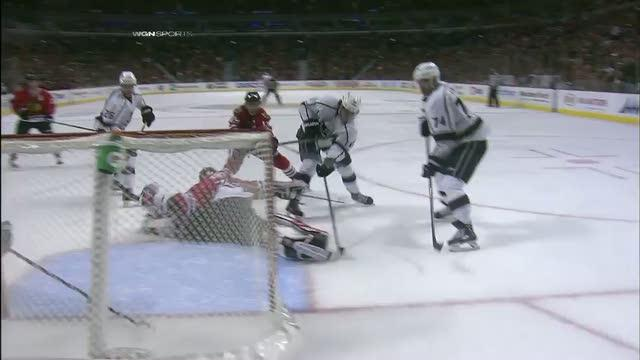 Antti Raanta makes a toe save on Anze Kopitar