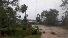Cyclone pounds Vanuatu, levelling buildings, amid virus shutdown