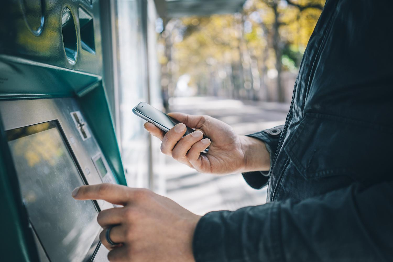 Coinsquare, Just Cash Partnership Enables Non-Bank ATM Crypto Transactions
