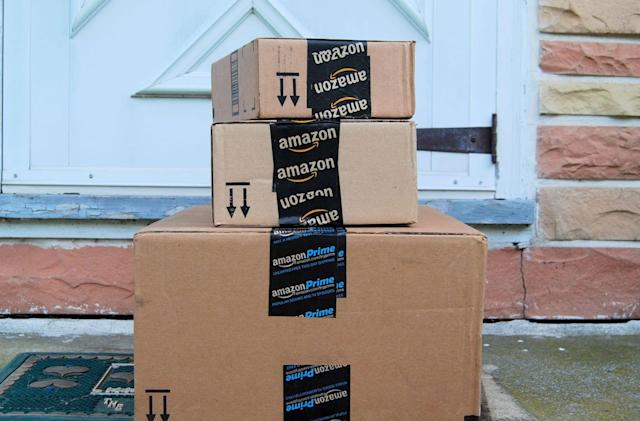 Amazon quietly drops its free-shipping minimum back to $25