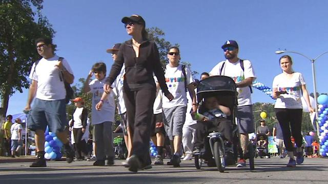 Walk Now for Autism Speaks draws tens of thousands to Pasadena
