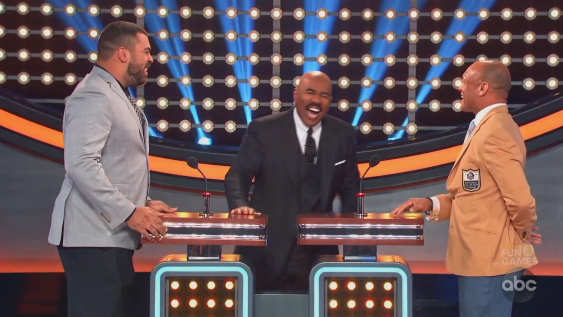 'Strip club' question causes NFL players to hesitate on 'Celebrity Family Feud'