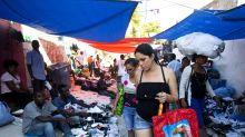 Cubanos recorren el mundo buscando ofertas