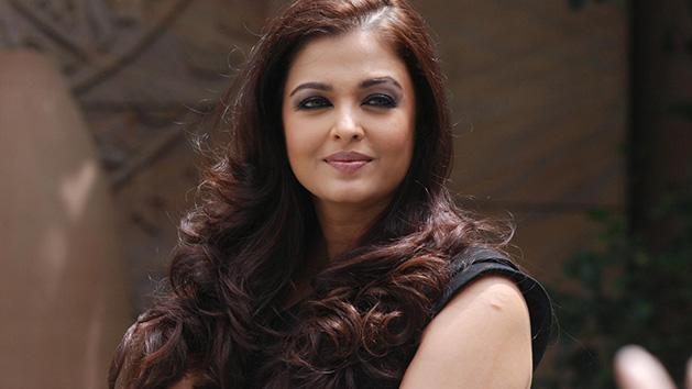 Aishwarya Rai unveils Lodha Groups The Park