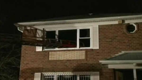 Fire traps family in Queens home