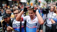 Cycling - Perfect timing for Sagan as Slovakian takes third straight title
