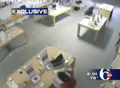 Video: crooks clean out New Jersey Apple store in 31 impressive seconds