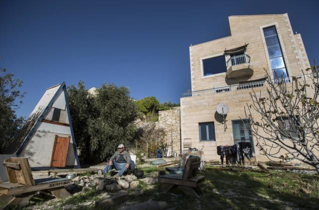 Airbnb will remove guest home listings in the West Bank