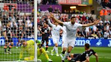 Llorente keeps his head to drag Swansea out of the bottom three