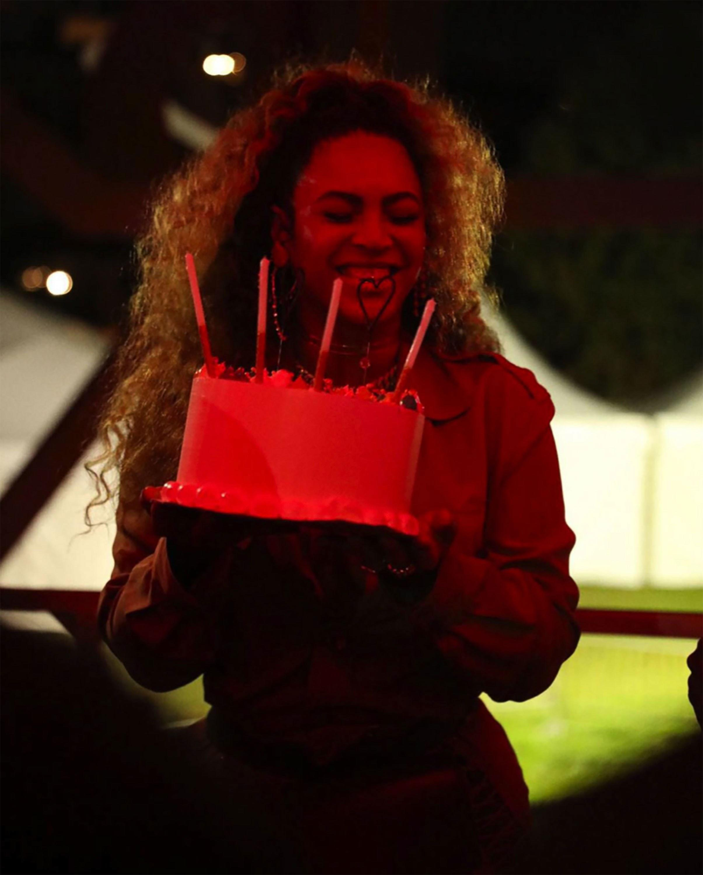 Astonishing Beyonce Is Officially Living Her Best Birthday Life Personalised Birthday Cards Cominlily Jamesorg