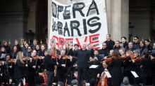 Paris Opera musicians serenade public in pensions protest