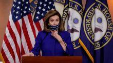 Pelosi, Trump se culpan mutuamente por ayuda COVID-19, senadores republicanos se mantienen al margen