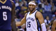 Watch: 40-year-old Vince Carter dazzles with pregame routine
