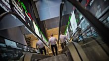 Stocks Decline in Risk-Off Turn; Yen Rises: Markets Wrap