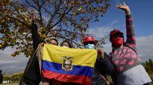 Vuelta: Bennett se queda sin triunfo, Carapaz sigue líder