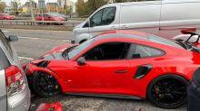 Un client plante la Porsche 911 GT2 RS du concessionnaire lors d'un essai