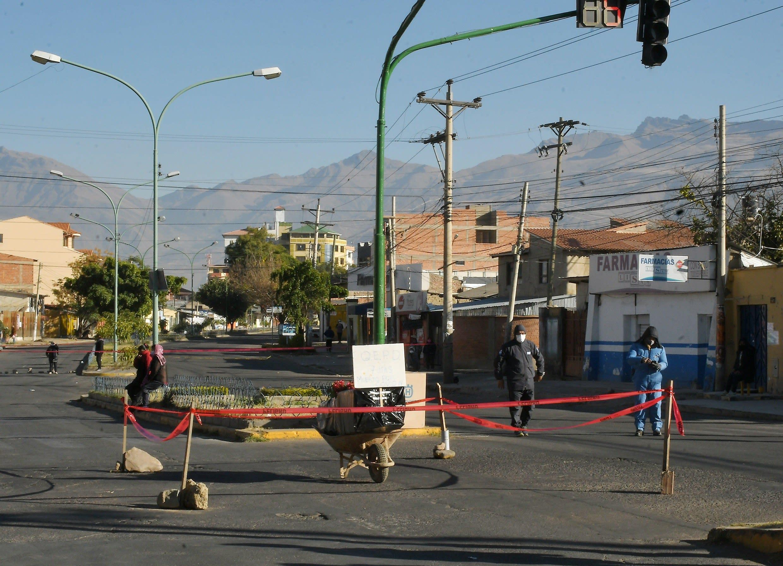 Un ataúd en la calle, el drama en Bolivia por la saturación de un ...