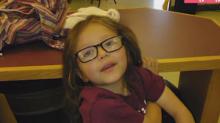 Após deixar cabelo crescer por dois anos, garotinho de 6 anos faz doação para crianças com câncer