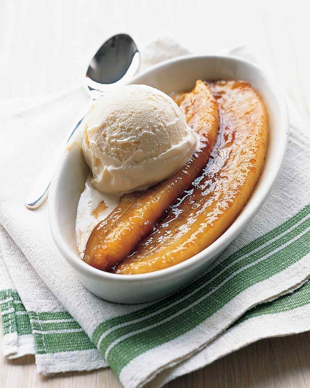 Breakfast + Dessert: Dreamy Bananas Foster French Toast