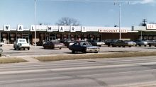 These Vintage Photos Show the Evolution of Walmart