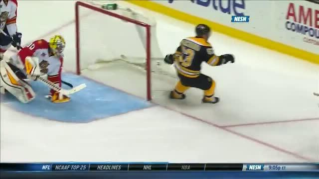Brad Marchand taps it in for easy goal