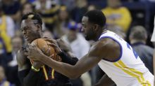 Draymond Green blocks 2 Hawks in last minute to seal another Warriors win