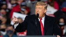"""Trump torna all'attacco: """"Schede elettorali ai morti, elezioni truccate"""""""