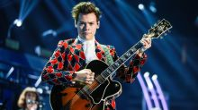 Hold onto your angel wings, because Harry Styles is performing at the Victoria's Secret Fashion Show