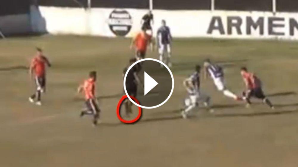 VIDEO: ¡El árbitro dio la asistencia del gol!