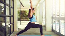 ¿Qué postura (de yoga) te ayuda a combatir la enfermedad más discapacitante?