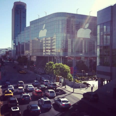 T-Mobile 1,900MHz 3G lights up Moscone West in time for WWDC, carrier swears it's a happy accident