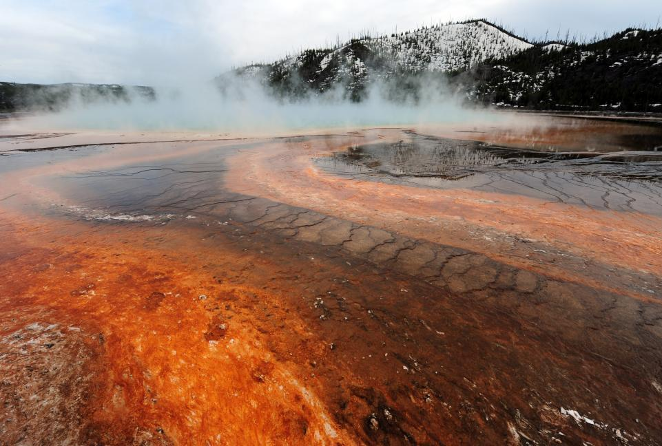 NASA Discovers Mantle Plume Almost as Hot as Yellowstone Supervolcano That's Melting Antarctica From Below